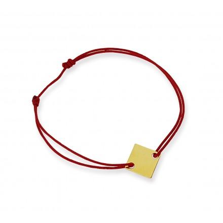 Kwadrat na bransoletce sznurkowej